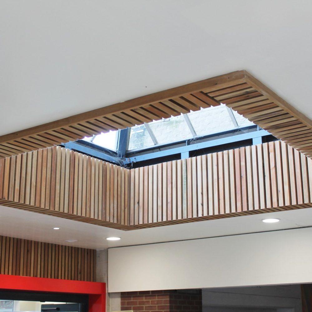 160321 Chantry Atrium  scaled - معماری بیرونی چگونه می توان از این سبک طراحی استفاده کرد