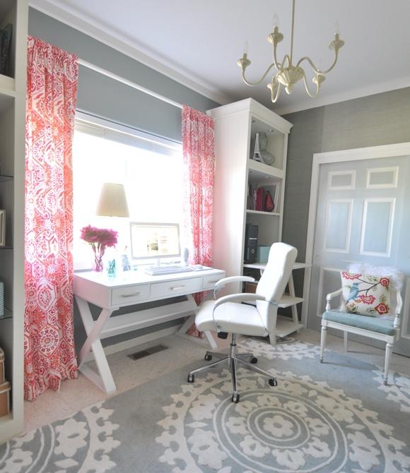 decorate with curtains the office room 1 - روند طراحی داخلی و دکوراسیون داخلی در سال ۲۰۲۰