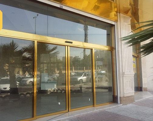 thrthrth - محل کار خود را چگونه با شیشه دیزاین کنیم؟