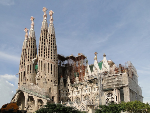 Sagrada Familia - ۲۰ نمونه از معماری مشهور جهان