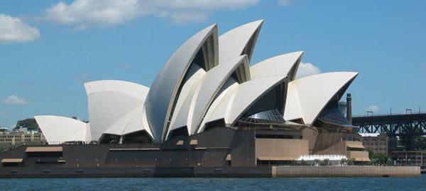 SydneyOperaHouse - ۲۰ نمونه از معماری مشهور جهان