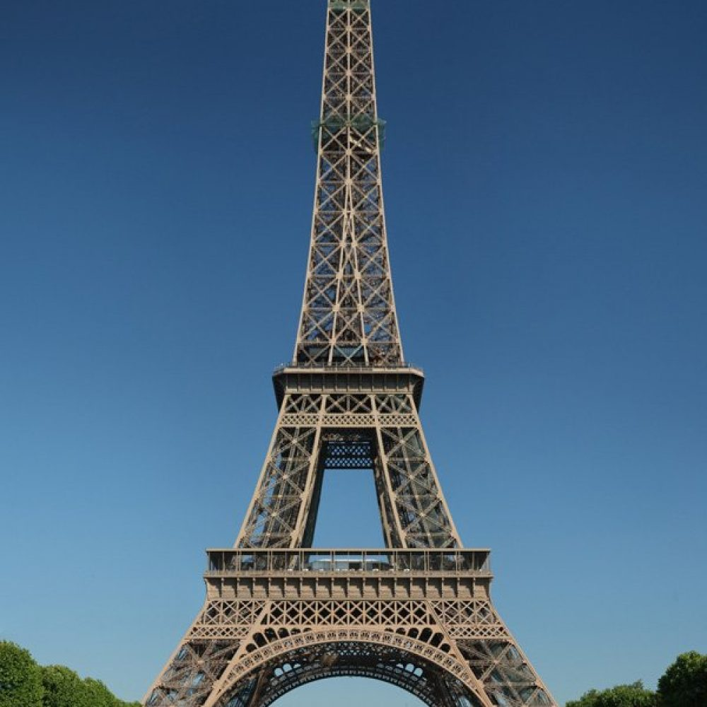 Tour Eiffel Wikime scaled - ۲۰ نمونه از معماری مشهور جهان