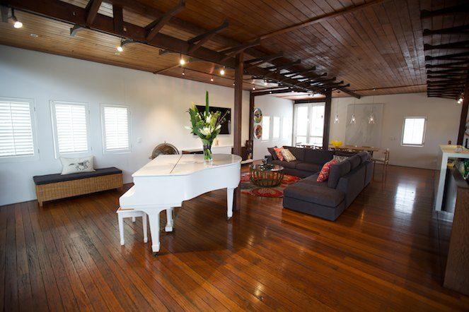Warehouse Lounge Dining Decorate Design1 - محبوب ترین سبک های طراحی داخلی