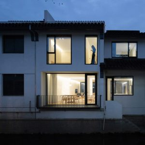 4 300x300 - معماری داخلی ساختمان
