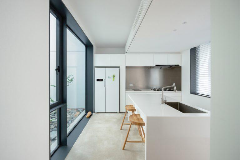 13 kitchen copyright tianzhou yang 768x512 1 - طراحی داخلی
