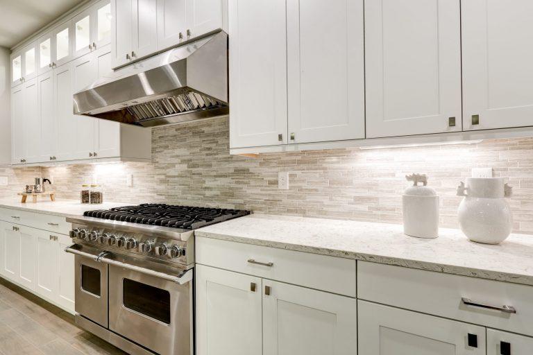 shutterstock 5640 768x512 1 - کابینت آشپزخانه